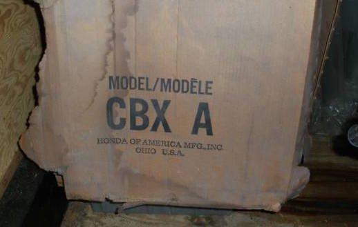 Βρέθηκε ολοκαίνουρια εξακύλινδρη CBX 1050 μέσα στην κούτα της! 00o0o_kvmn5phbtiy_600x450